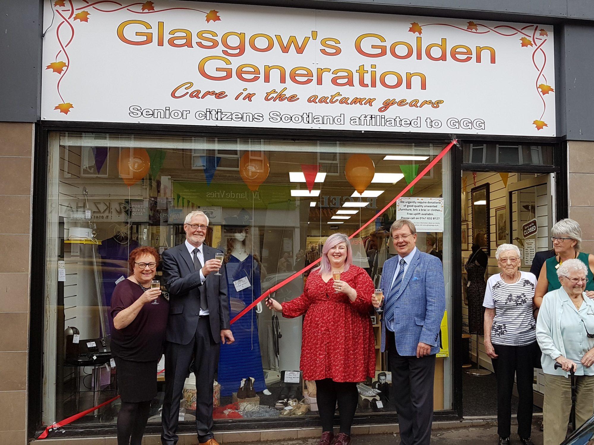 Michelle McManus Opens Shawlands Charity Shop!