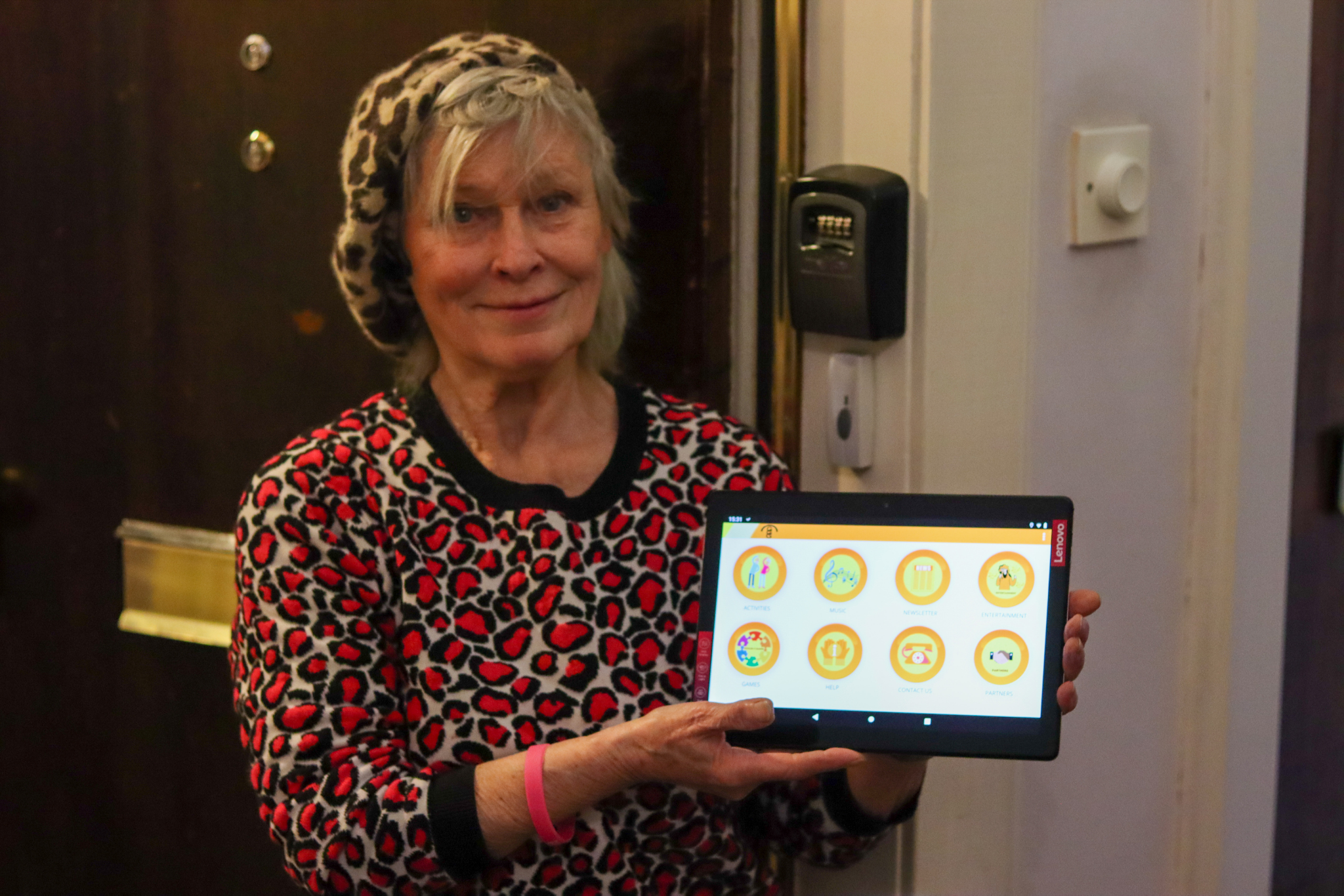 """Glasgow's Golden Generation """"techs"""" the next step for older adults"""